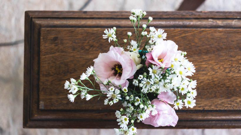bisaettelse eller begravelse